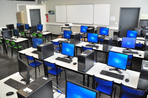 Salle informatique.jpg