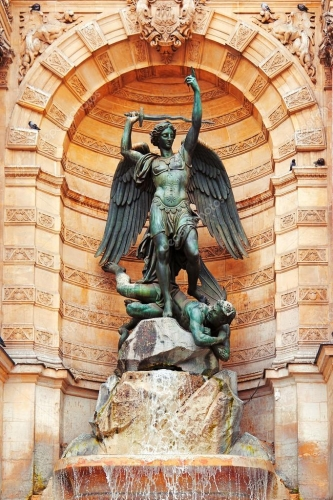 depositphotos_62399741-stock-photo-statue-of-saint-michael-paris.jpg