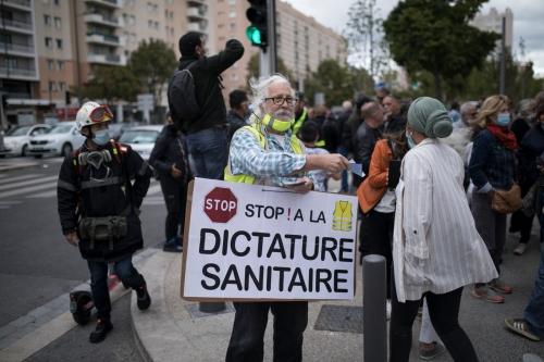 Devant-lhopital-Timone-Marseille-25-septembre-2020_0_1400_933.jpg