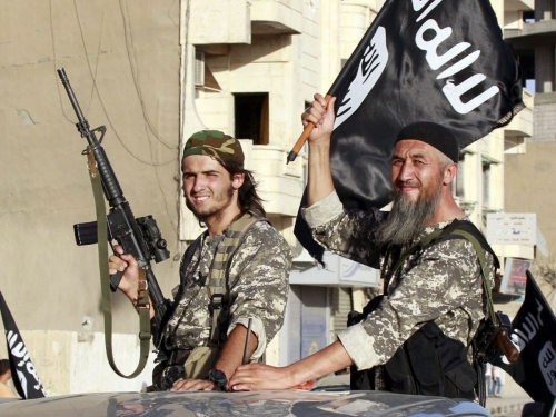 D-fil-membres-l-Etat-islamique-dans-province-Raqqa-en-Syrie.jpg