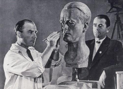 Arno_Breker,_Albert_Speer_(1940).jpg