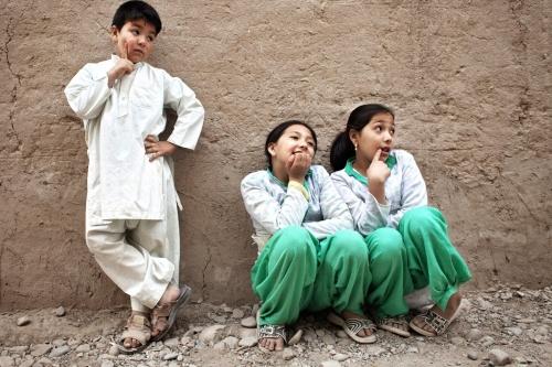 af_afghanistan_girlboys_2009_00463a-1.jpg