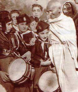 BalillaGandhi1931-30b19.jpg