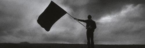 schwarze-Fahne.jpg