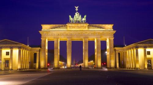 Brandenburg-Gate-24946.jpg
