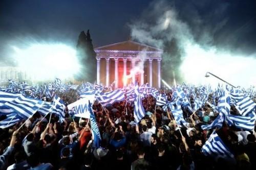 316188_des-partisans-la-nouvelle-democratie-lors-d-un-meeting-electoral-le-3-mai-2012-a-athenes.jpg