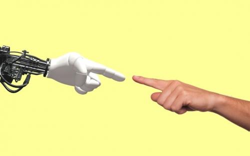technology-2025795_1920-1080x675.jpg