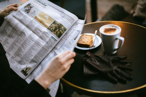 Zeitung-lesen.jpg