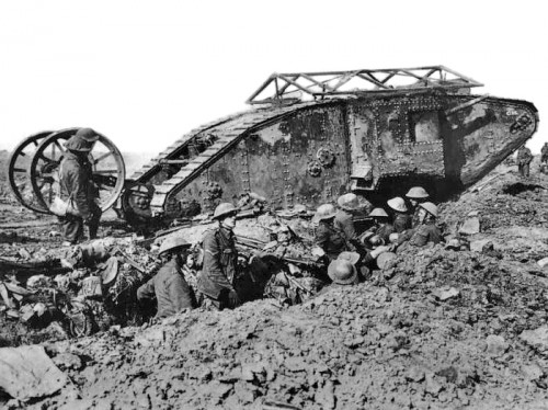 British_Mark_I_male_tank_Somme_25_September_1916.jpg
