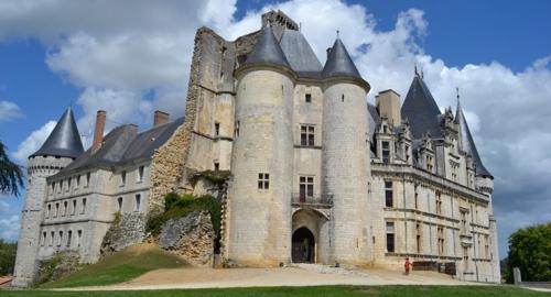chateau-la-rochefoucauld-740x400-740x400.jpg
