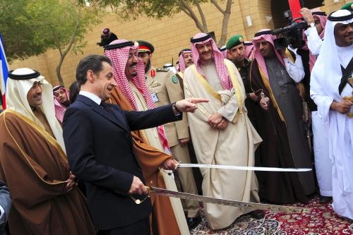 Nicolas-Sarkozy-et-Salman-en-2008.jpg