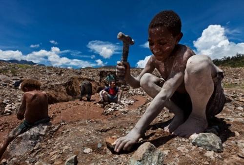 bambini-coltan-nigrizia-720x486.jpeg