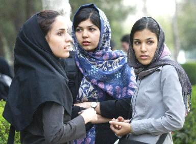 iran-women-13-7-2004.jpg
