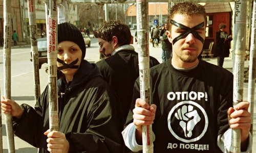 Otpor-members-protest-in--008.jpg