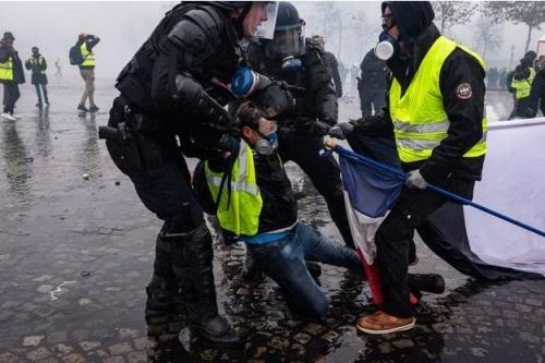 Violences-a-Paris-139-personnes-presentees-a-la-justice-111-gardes-a-vue-prolongees.jpg
