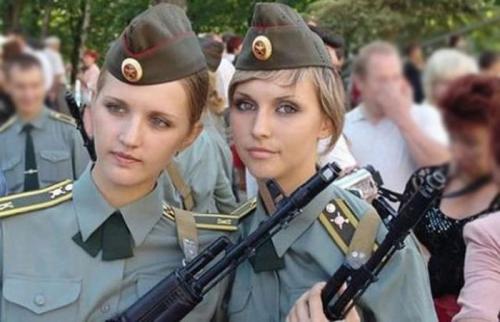 female_army_soldiers_17.jpg