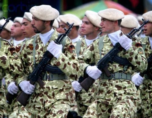 Iranian_army_001.jpg
