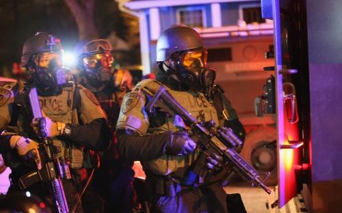 ferguson-riots--po_3116892k.jpg