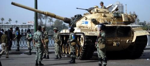 egypte-manifestation-moubarak-armee-char-le-caire.jpg