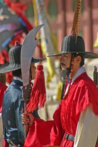 gardes-au-palais-séoul-corée-du-sud-de-gyeongbok-49991293.jpg