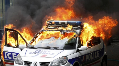 paris-voiture-de-police-incendiee-1.jpg