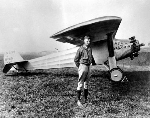 Charles-Lindbergh-devant-avion-Spirit-St-Louis-1927_2_729_577.jpg