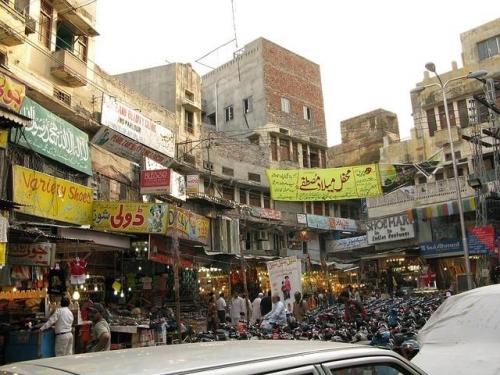 Lahore-Pakistan-market-burns-13-dead.jpg
