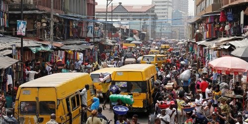nigeria-nigeria-lagos-population-demographie-foule-commerce-trafic-routes-circulation-afrique.png