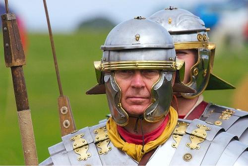 1200px-Roman_Infantry_1.jpg