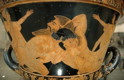 1280px-Herakles_Antaios_Louvre_G103.jpg