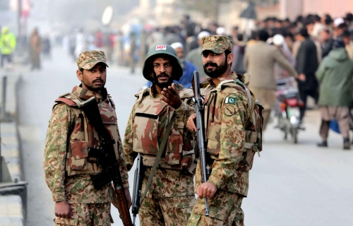 pakistan-army-soldiers-cordon-off-d581-diaporama.jpg