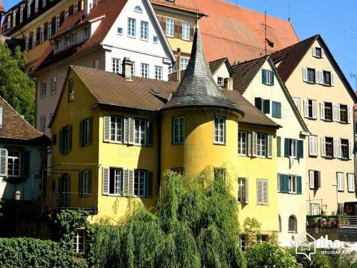 Tubingen-Tour-de-holderlin-de-tubingen.jpg