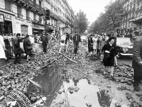 mai-68-barricades-paris.jpg