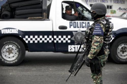 453704-policiers-militaires-mexicains-abattu-mercredi.jpg
