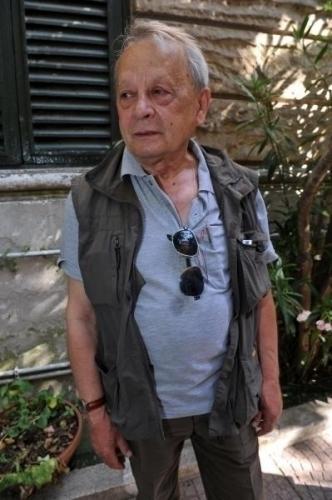 Stefano-Delle-Chiaie-standing.jpg