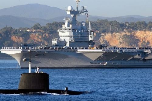 porte-avion-charles-de-gaulle-sous-marin-nucleaire-20200213.jpg