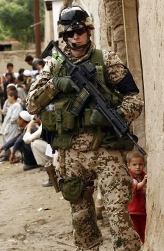 72febf815e2a313f7edb19c5446a2daa--soldati-army-soldier.jpg