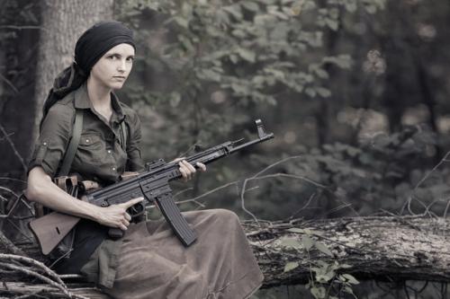 partisan_girl_4306web.jpg