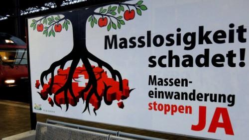 plakat-der-schweizer-initiative-masseneinwanderung-stoppen.jpg