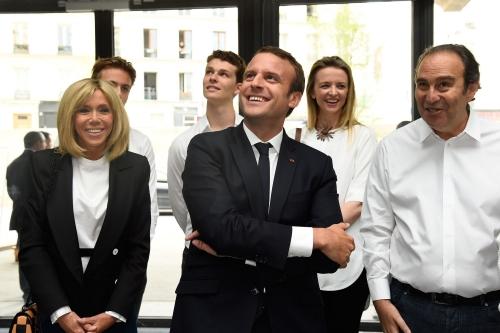Accompagne-de-son-epouse-Brigitte-Emmanuel-Macron-a-inaugure-Station-F.jpg